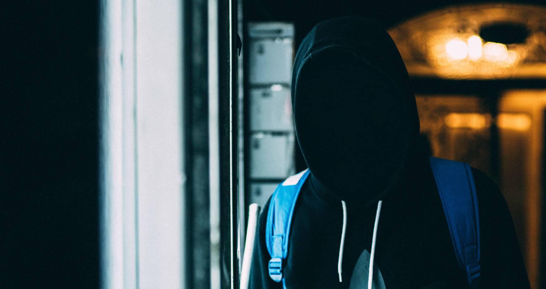 Úrady spretrhali sieť kyberzločincov z východnej Európy