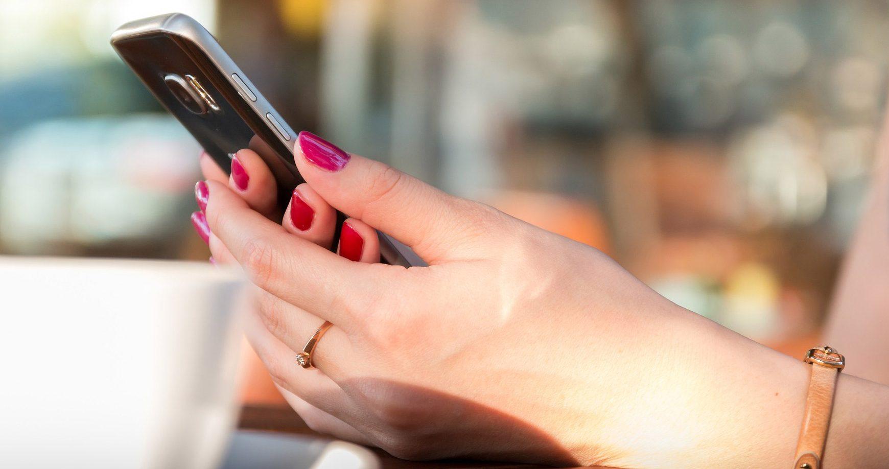 Tinder v Rusku bude archivovať súkromné správy používateľov