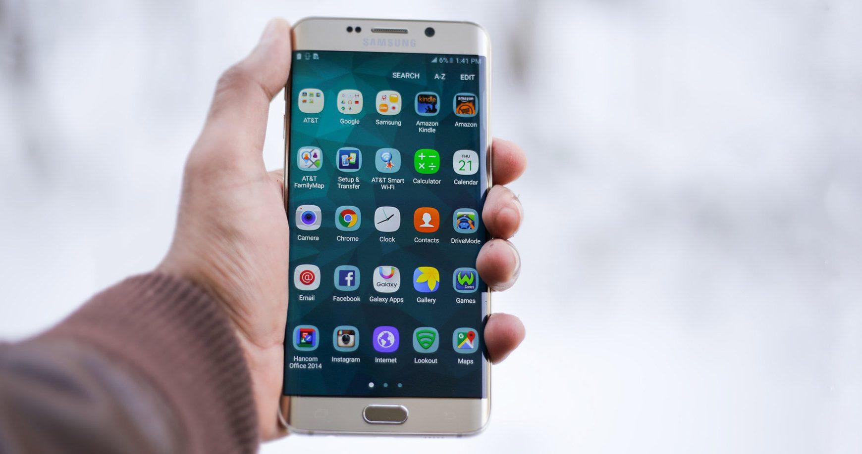 Záškodníci zneužívajú koronakrízu na šírenie nebezpečných mobilných aplikácií