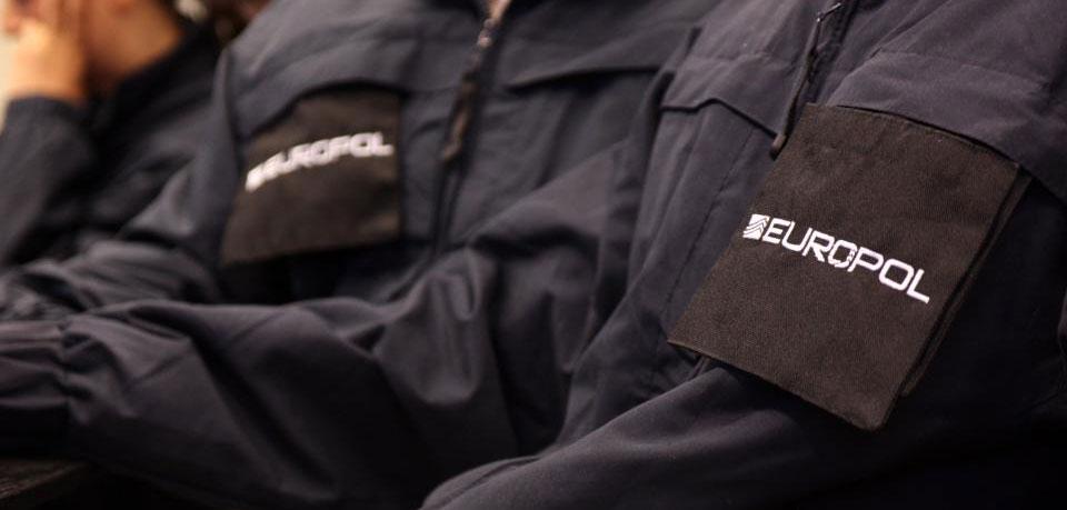 V Španielsku a Rumunsku zatýkali podvodníkov so SIM kartami