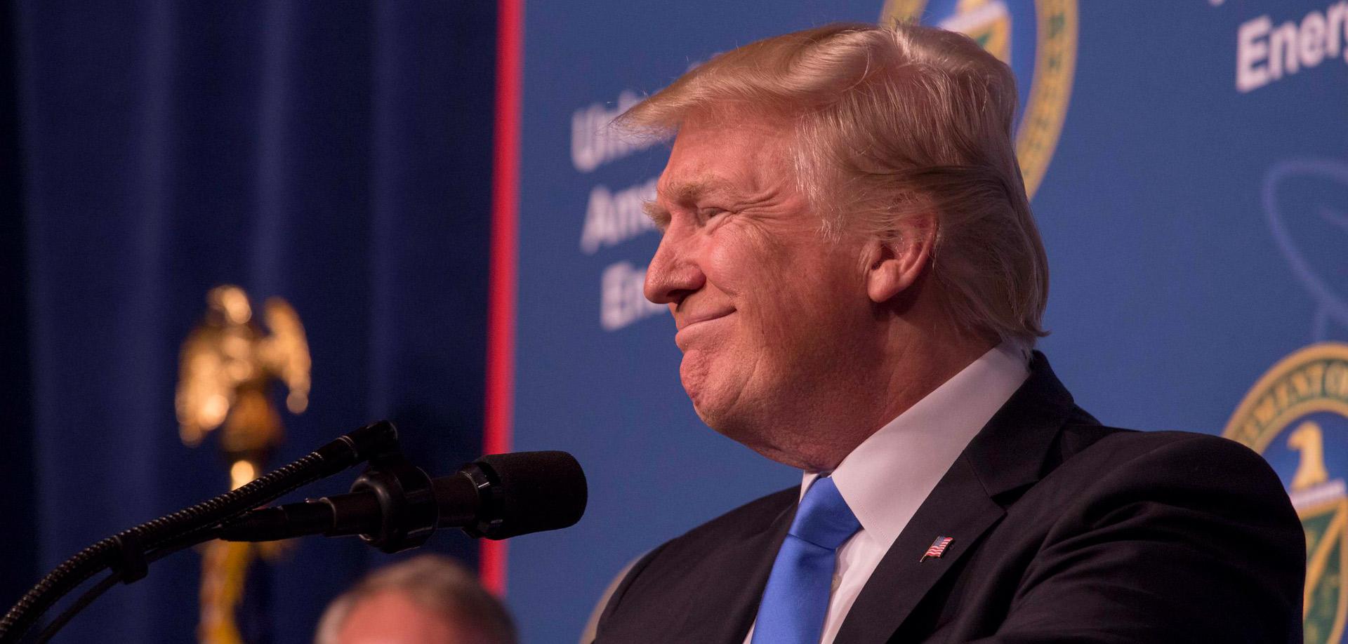 Hekeri ukradli dokumenty amerických celebrít, hrozia aj zverejnením špiny na Trumpa