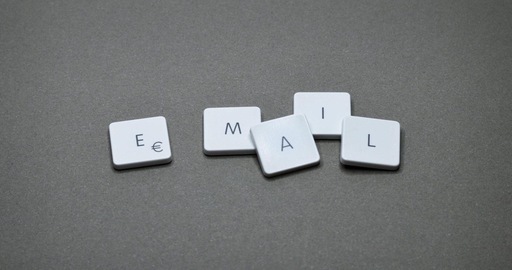 Ruskí hekeri získavajú kontrolu nad počítačmi pomocou e-mailov