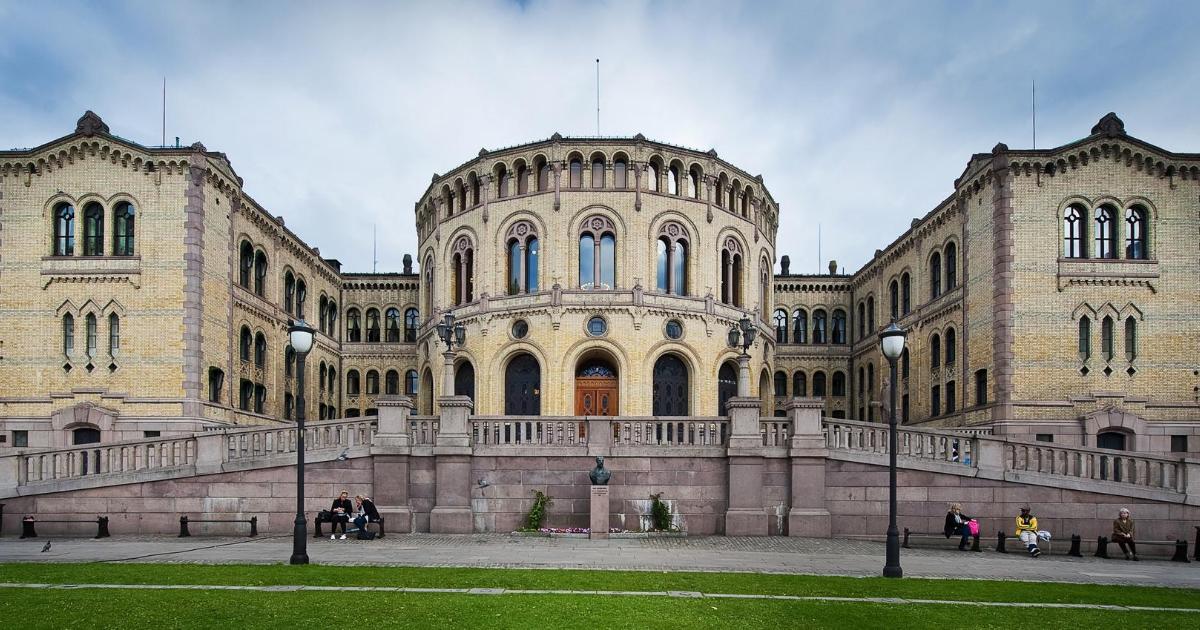 Nórskym poslancom sa nabúrali do emailov