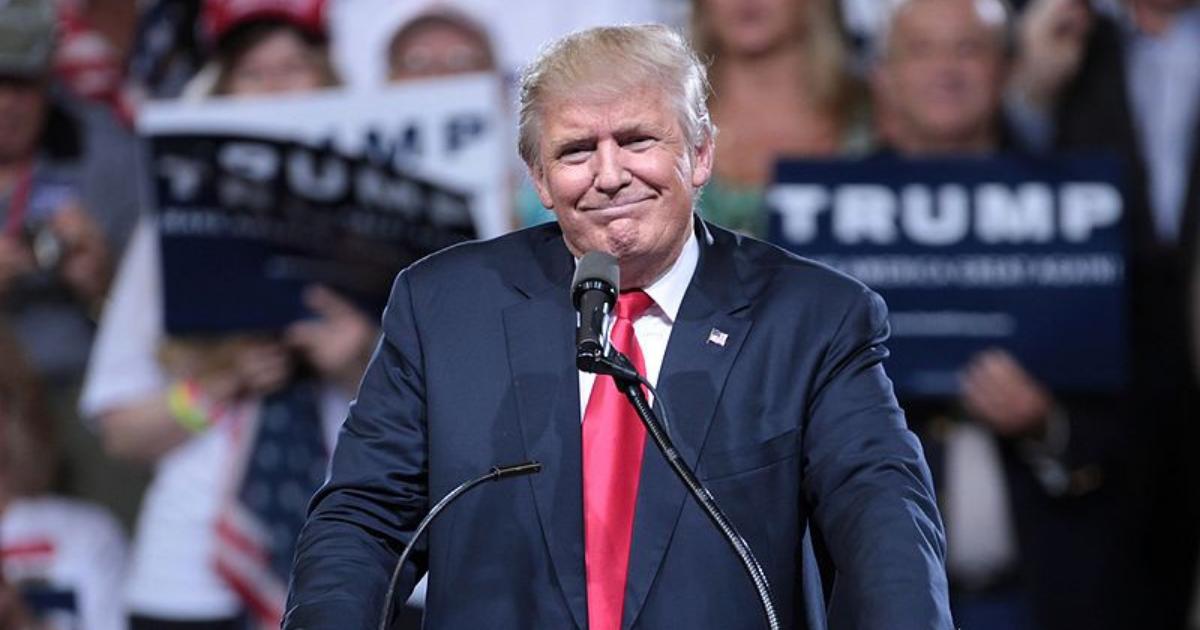 Nikto nemôže byť hacknutý, tvrdil Trump. Teraz sa mu nabúrali do kampaňového webu